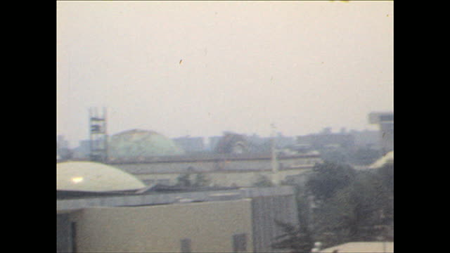 worlds fair view from sky gondola on october 25 1964 in flushing meadows ny - 1964年点の映像素材/bロール