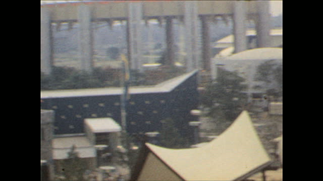 worlds fair / viewing the fair from the sky on october 25 1964 in flushing meadows ny - 1964年点の映像素材/bロール