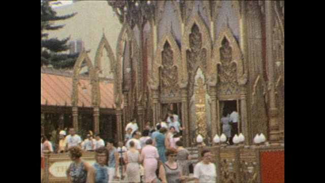 stockvideo's en b-roll-footage met worlds fair / walking around pavilion on october 25 1964 in flushing meadows ny - 1964
