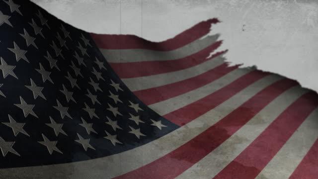 vídeos de stock e filmes b-roll de desgastado bandeira dos estados unidos da américa - exposto ao ar