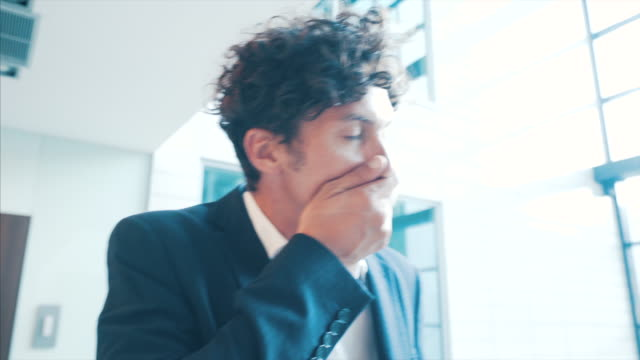 vídeos de stock e filmes b-roll de worried businessman. - luto