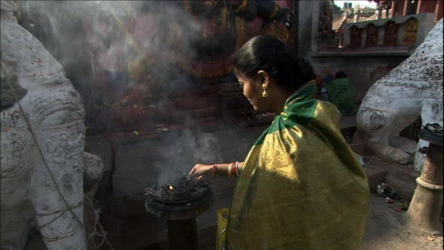 Worshiper at Shiva-Parvati temple_Medium Shot