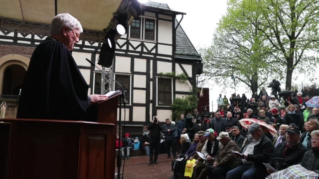 worshippers attend an openair protestant religious service at wartburg castle to commemorate the may 4 arrival of martin luther on may 4 2017 in... - martin luther religious leader stock videos & royalty-free footage