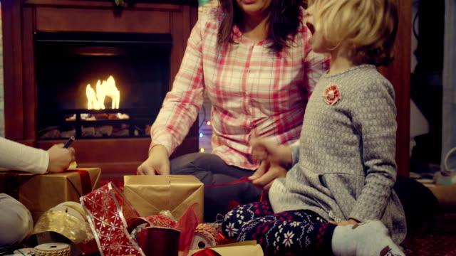 Verpackung und Dekoration Weihnachtsgeschenke