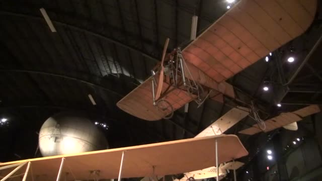 stockvideo's en b-roll-footage met wright 1909 military flyer on display in the early years gallery at the national museum of the us air - 1900 1909