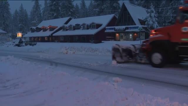 wrightwood snow. - エンジェルス国有林点の映像素材/bロール