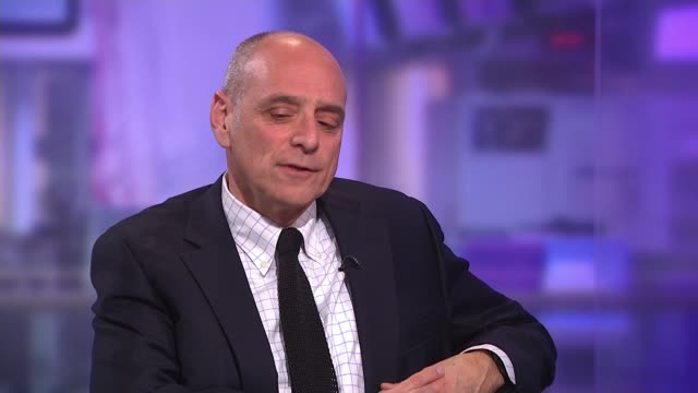 writer and filmmaker eric schlosser interview on the nobel peace prize and nuclear weapons england london gir int eric schlosser studio interview sot - ノーベル平和賞点の映像素材/bロール