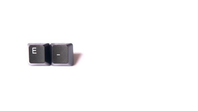 書き込み「e 」とキーボード keys.hd 1080 i ます。 - e mail点の映像素材/bロール