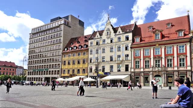 vídeos de stock e filmes b-roll de wroclaw - town hall