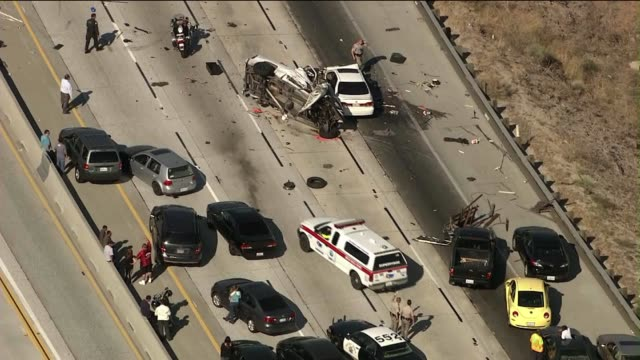 stockvideo's en b-roll-footage met wrong-way driver causes massive freeway pile-up on june 17, 2013 in palmdale, california - dronken achter het stuur