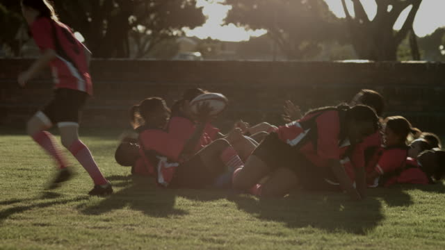 WS_Womens rugby team doing a combined sit-up & running exercise