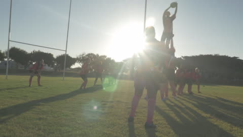 ws_womens rugby team playing on the field - スポーツ ラグビー点の映像素材/bロール