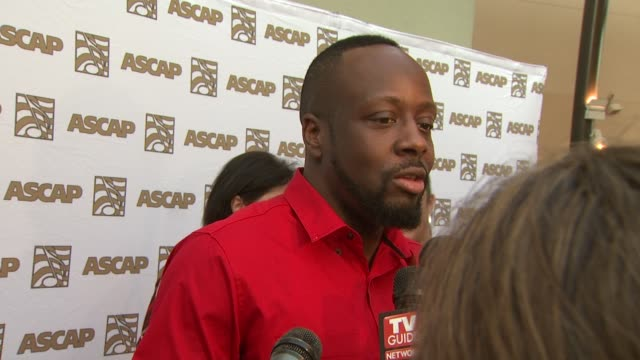 vidéos et rushes de wyclef jean on being honored at the 26th annual ascap pop music awards at hollywood ca. - ascap