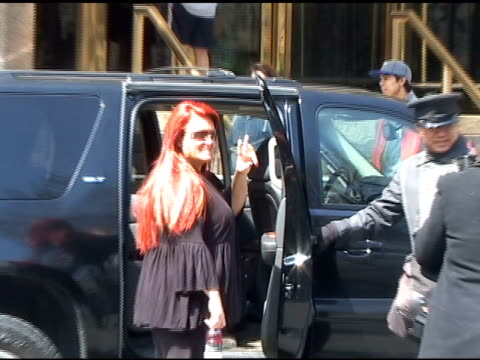 wynonna judd outside the trump international hotel on 04/09/11 - wynonna judd stock videos & royalty-free footage