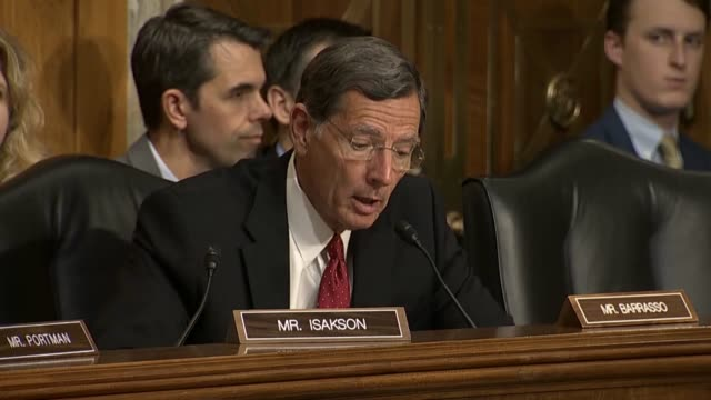 wyoming senator john barrasso asks secretary of state mike pompeo at a senate foreign relations committee hearing if nato allies or the european... - us senat stock-videos und b-roll-filmmaterial