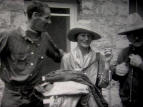 stockvideo's en b-roll-footage met 1927 wyoming western clothing and horseback - 1927