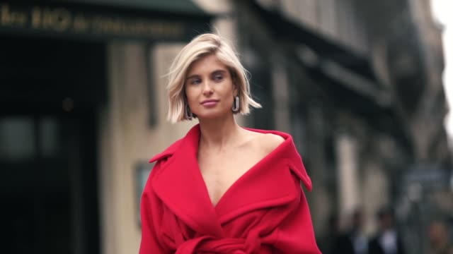 vídeos de stock, filmes e b-roll de xenia adonts wears a red jacket red pants white shoes outside elie saab during paris fashion week womenswear fall/winter 2019/2020 on march 02 2019... - xenia van der woodsen