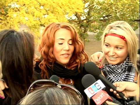 vidéos et rushes de factor finalists; members of 'girlband' press conference sot - reaction on reaching x-factor finals - concurrent