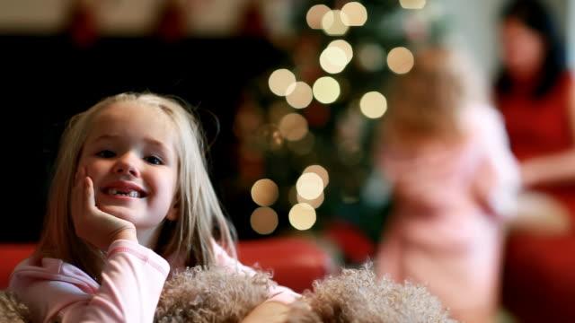 natalizie sorriso - solo bambini video stock e b–roll
