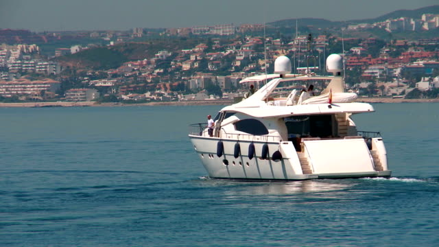 yacht leaving port - power boat stock videos & royalty-free footage
