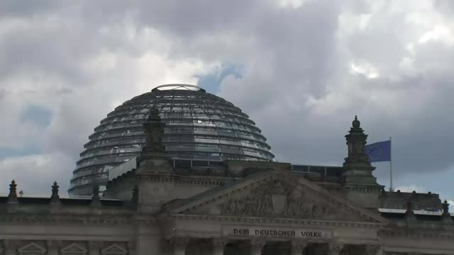 Yahoo admits that two years ago hackers stole personal information from 500 million users T27061606 / TX Berlin EXT Wide shot of Reichstag building...