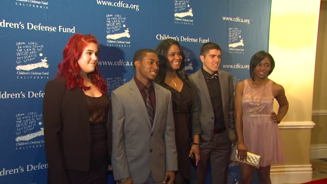 vídeos de stock e filmes b-roll de yahydia iniguez jalen woods roneisha pugh richard kent jade woods at children's defense fundcalifornia hosts 22nd annual beat the odds awards beverly... - jade gema