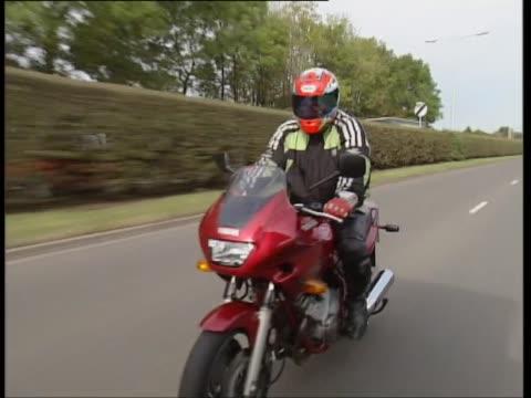 yamaha 600 diversion - fahrzeug fahren stock-videos und b-roll-filmmaterial