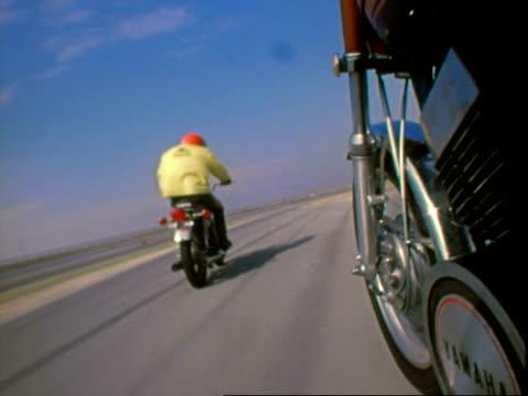 vidéos et rushes de yamaha motorcycles, oms - 1971