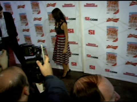 vídeos de stock, filmes e b-roll de yamila diaz-rahi at the 2006 sports illustrated swimsuit issue photocall at crobar in new york, new york on february 14, 2006. - crobar
