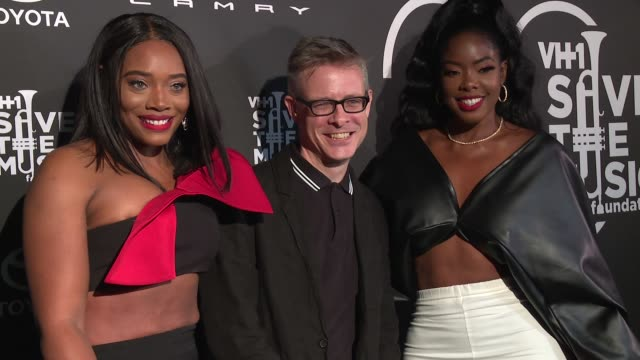 yandy smith vh1 save the music vice president and executive director henry donahue and juju c at vh1 save the music 20th anniversary gala at sir... - vh1 stock-videos und b-roll-filmmaterial