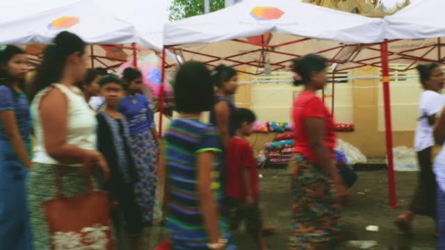 yangon market, myanmar - entwicklungsland stock-videos und b-roll-filmmaterial