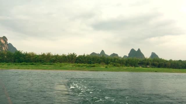yangshuo li river in guilin ,china - li river stock videos & royalty-free footage