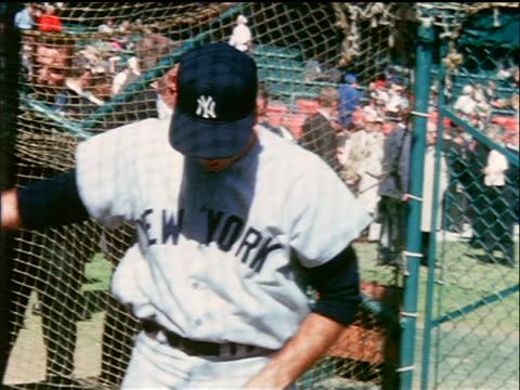 vídeos y material grabado en eventos de stock de yankee bob richardson practicing batting / industrial - uniforme de béisbol
