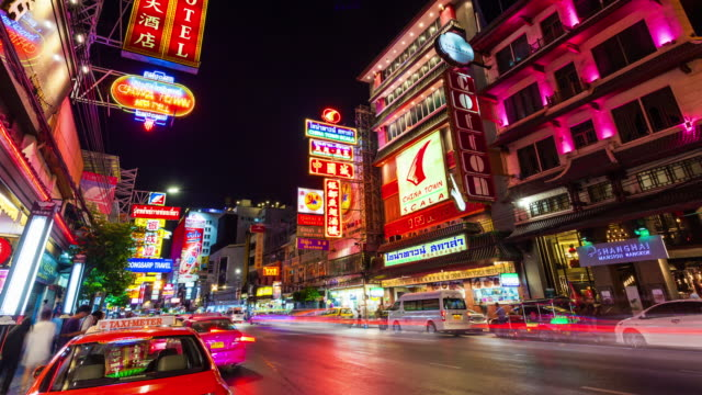 yaowarat road at night in chinatown - bangkok, thailand, timelapse - chinatown stock videos and b-roll footage
