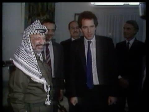 Yasser Arafat visit JAN Tunis SEQ Arafat meeting with William Waldegrave MP shake hands