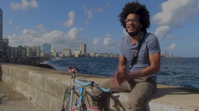 CUB: Bike-enthusiast uses fresh internet freedom to challenge Cuba