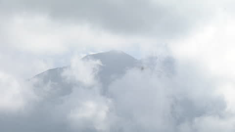 yatsugatake mts with clouds, yamanashi, japan - satoyama scenery stock videos & royalty-free footage
