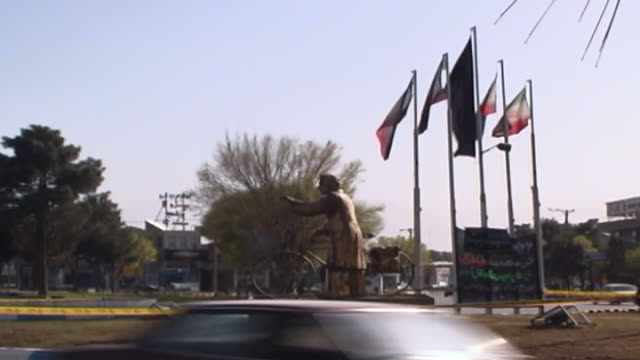 yazd city. mcu view of the traffic on the road to kerman. - yazd province stock videos & royalty-free footage