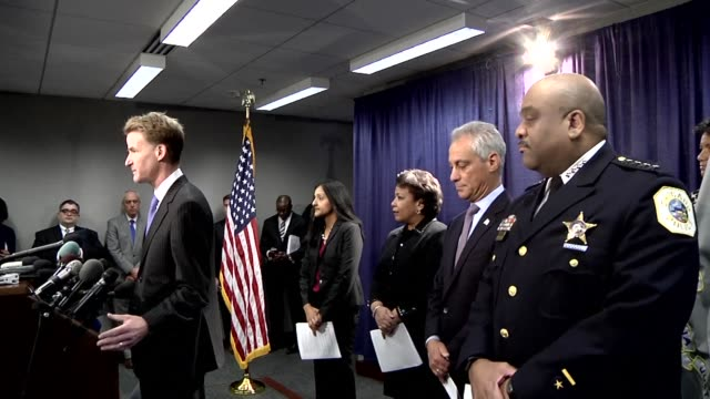 stockvideo's en b-roll-footage met a year long federal investigation into the chicago police force has identified a pattern of excessive force especially in predominantly black and... - procureur generaal