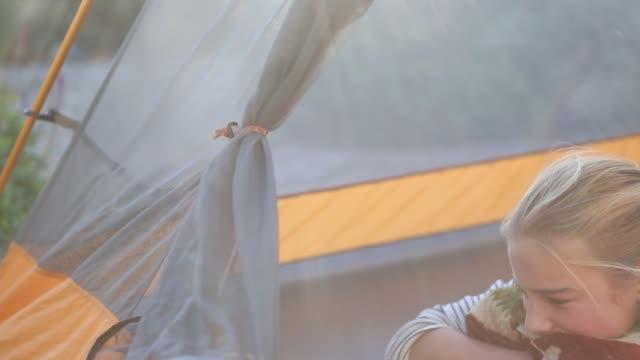 11 year old girl in tent - endast flickor bildbanksvideor och videomaterial från bakom kulisserna