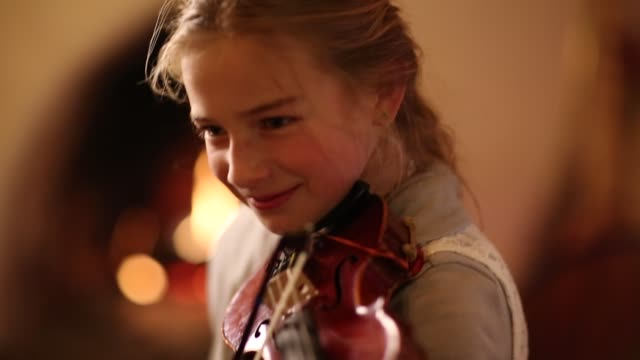 9 year old girl playing violin