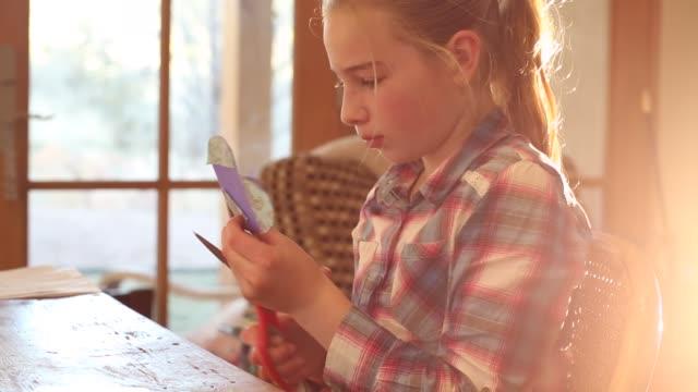 10 year old girl - nur mädchen stock-videos und b-roll-filmmaterial