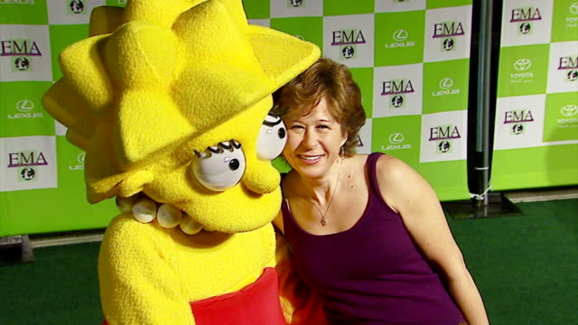 yeardley smith at the 16th annual environmental media awards at ebell theater in los angeles, california on november 8, 2006. - environmental media awards stock-videos und b-roll-filmmaterial