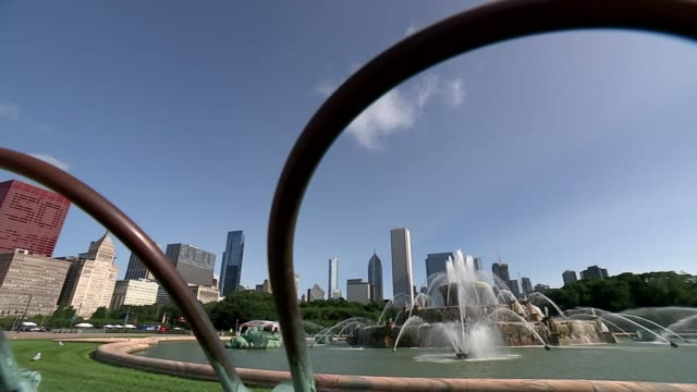 50 years since differences over the Vietnam war nearly split the Democratic Party USA Illinois Chicago EXT Buckingham Fountain Skyscrapers along the...