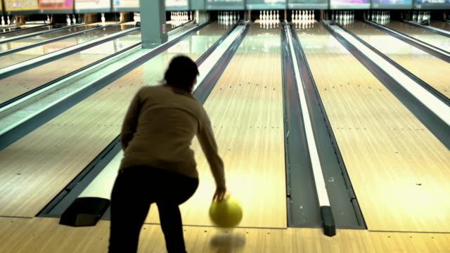 40 Jahre Frau zum ersten Mal Bowling