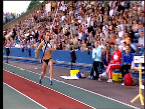 Yelena Isinbayeva celebrates wildly after setting new Pole Vault world record becoming first woman to clear 500m 2005 Crystal Palace Athletics Grand...