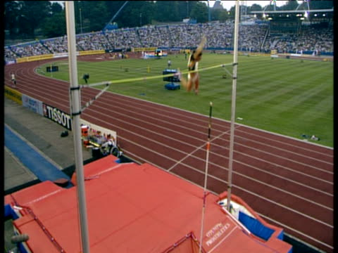 Yelena Isinbayeva clears 478m on pole vault 2003 International Athletics Grand Prix Crystal Palace London