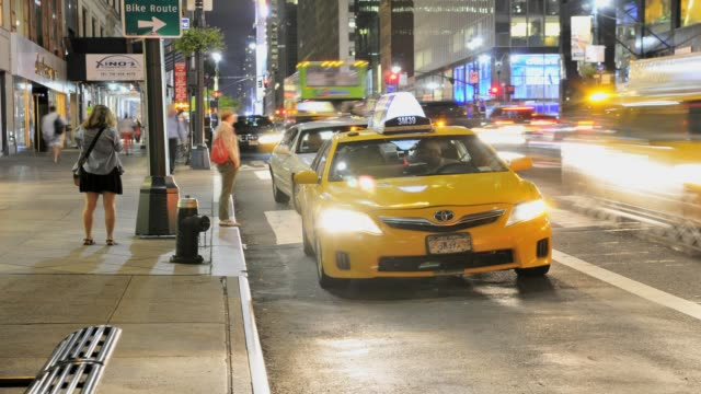 yellow taxis outside grand central terminal, madison avenue, park avenue, midtown manhattan, new york city, usa time lapse, yellow taxis, grand... - yellow taxi stock videos & royalty-free footage