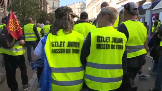 yellow vest supporters take to the streets of various french cities for the 15th consecutive saturday - montpelier stock-videos und b-roll-filmmaterial