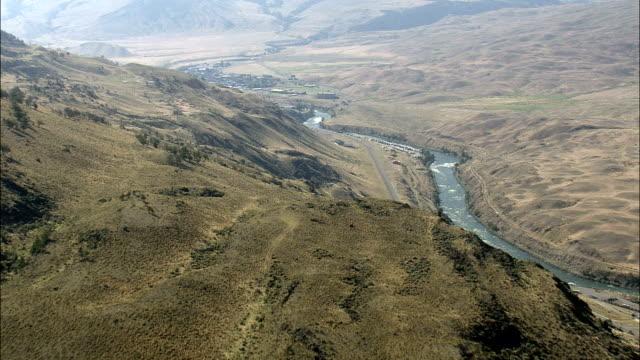 Río Yellowstone cerca de Gardiner-Vista aérea-Montana, parque del Condado, Estados Unidos